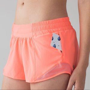 🍋 Lululemon POP ORANGE Hotty hot shorts Sz. 8